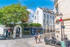 Malowniczy rozdroże w Montmartre sąsiedztwie obraz royalty free