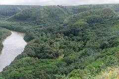 Malowniczy Wailua Rzeczny dukt po tym jak ważna ulewa na Kauai, Hawaje obraz stock