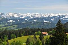Malowniczy wysokogórski krajobraz w wiośnie Fotografia Royalty Free
