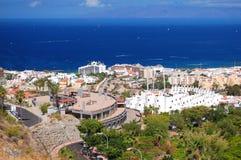 Malowniczy znakomity krajobraz piękni kurortu playa de lasy Americas na Tenerife, Spain zdjęcie stock