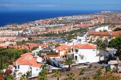 Malowniczy znakomity krajobraz piękni kurortu playa de lasy Americas na Tenerife, Spain obrazy royalty free