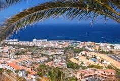 Malowniczy znakomity krajobraz piękni kurortu playa de lasy Americas na Tenerife, Spain fotografia royalty free