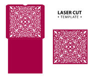 Malplaatje van de de envelopkaart van de laserbesnoeiing het vector met abstract ornament Royalty-vrije Stock Afbeeldingen