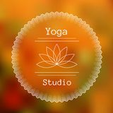 Malplaatje voor embleem van yogastudio Stock Foto