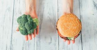 Malsain contre la nourriture saine photos libres de droits