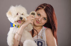 Maltański pies i dziewczyna fotografia royalty free