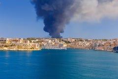 malta Огонь на отход-обрабатывая заводе Sant Antnin Стоковое Фото