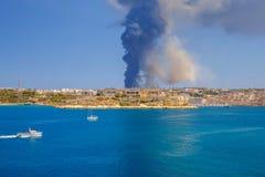 malta Огонь на отход-обрабатывая заводе Sant Antnin Стоковая Фотография