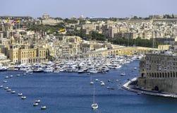 Malta - 29 de mayo - vista de los yates en el puerto Imagen de archivo