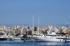Malta den pittoreska fjärden av Valletta Arkivbild