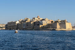 Malta, forte Sain Angelo em três cidades Opinião grande do mar do porto de Valletta Fotos de Stock Royalty Free