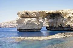 Malta.Gozo. Κυανό παράθυρο. Στοκ Φωτογραφία