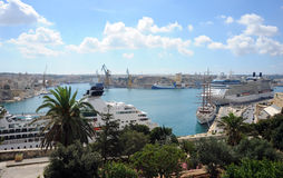 Malta, Grote Haven en cruiseschepen Stock Fotografie