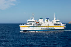 Malta - Maj 8, 2017: Färjatransporter från den Gozo ön till Malta arkivfoto