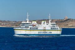 Malta - Maj 8, 2017: Färjatransporter från den Gozo ön till Malta Royaltyfri Bild