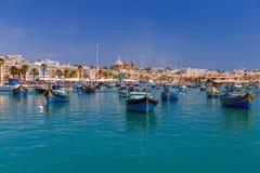 malta marsaxlokk Traditionelle Fischerboote Lizenzfreie Stockfotografie