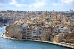 Malta, Valletta Senglea, um porto grande fortificado sob um céu azul com poucas nuvens Vista panorâmico Fotos de Stock Royalty Free