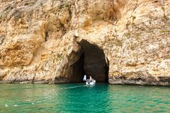 Malte, île de Gozo, lagune interne de Dwejra Photo libre de droits