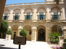 MALTE LA VALETTE CAPITALE大师` S宫殿进入纪念碑建筑学BATIMENT皮埃尔 库存照片