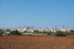 malte Les drapeaux enregistrent le jour dans le petit village maltais Zurrieq Festin maltais Photos libres de droits