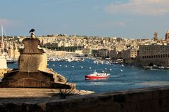 Malte vue de mer en août 2015 de la promenade, La Valette image stock
