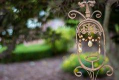 Malujący Dokonanego żelaza i kryształu wystrój Zdjęcia Royalty Free