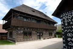 Malujący Drewniany dom Obrazy Royalty Free