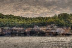 Malujący skała obywatel Lakeshore w Górnym Michigan szeroką rozmaitość przyciągania obraz royalty free
