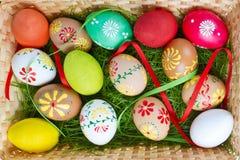 malujący Easter jajka Zdjęcia Stock