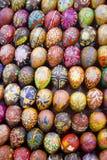 Malujący Wielkanocni jajka Obrazy Stock