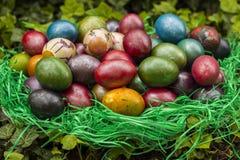 Malujący Wielkanocni jajka Zdjęcie Royalty Free