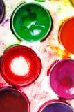 maluje akwarelę paintbox Zdjęcia Stock