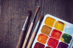 maluje akwarelę Fotografia Stock