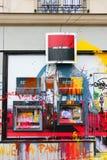 Maluje zrzuconego na Paryskim banku w protescie francuz Loi De Kłopoty &-x28; Pracuje Law&-x29; Zdjęcia Stock