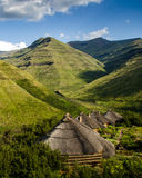 Maluti Berge Rondavels lizenzfreies stockbild