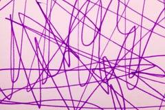 Malvenfarbenes Markierungsgekritzel Stockbild
