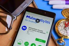 Malwarebytes-Sicherheit: Virus-Reiniger, Anti-Schadsoftwareentwickler-Anwendung auf Smartphone-Schirm lizenzfreie stockfotos