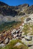 Malyovitsa maximum och Elenski sjöar, Rila berg Royaltyfri Bild