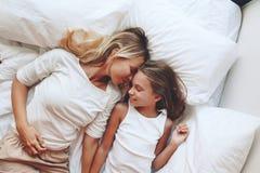 Mamá con la hija del tween Fotografía de archivo libre de regalías