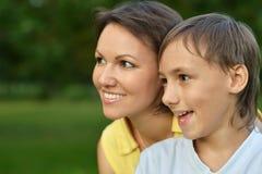 Mamã com seu filho Fotografia de Stock Royalty Free