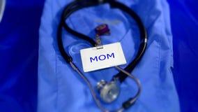 Mamã de funcionamento médica dos cuidados médicos Imagens de Stock