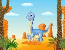 Mamã dos desenhos animados e dinossauro do bebê que choca com o fundo do deserto Fotos de Stock