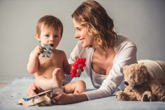 Mamã e bebé foto de stock royalty free