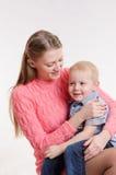 Mamã e filho felizes da criança de três anos Imagem de Stock