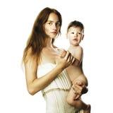 Mamã nova bonita com bebê despido fotografia de stock royalty free