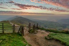 Mam突岩日出,高峰区,英国 免版税图库摄影