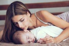 Mam3a con el bebé Imagen de archivo libre de regalías