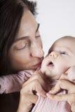 Mama buziaka dziecka menchii onesie Zdjęcia Stock