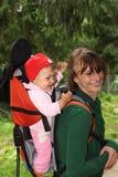 Mama con el bebé en naturaleza Imágenes de archivo libres de regalías