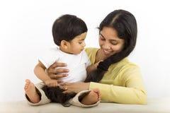 Mama con el niño Imágenes de archivo libres de regalías